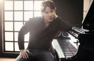 Chart-topping pianist Arthur Hanlon releases his latest album, Viajero, next month.