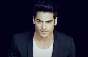 Carlos Rivera delivers honest thoughts on love with Yo Creo.