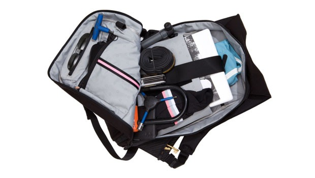 rapha-backpack-inside-view