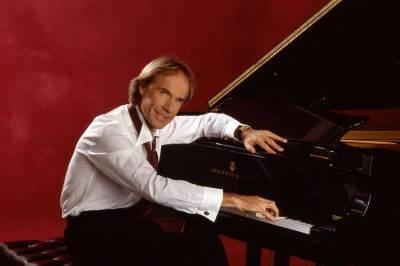 Richard-Clayderman-piano-performing-artists_1118x800