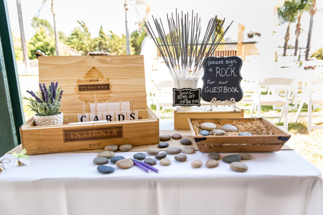 20 Wedding Guest Book Alternatives (#10 is our new favorite) - guest books wedding