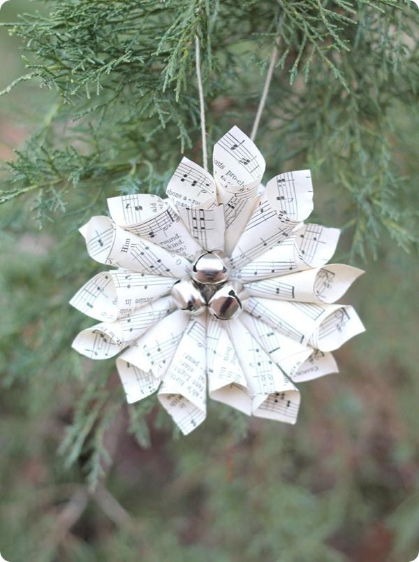 Christmas music ornaments and free printable Christmas carols