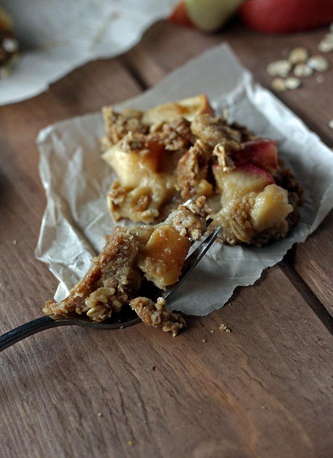 Salted Caramel Apple Crumble Bars - salty, sweet, ooey gooey, and ...
