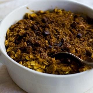 vegan chocolate chip pumpkin baked oats (simple, comforting, healthy) | love me, feed me