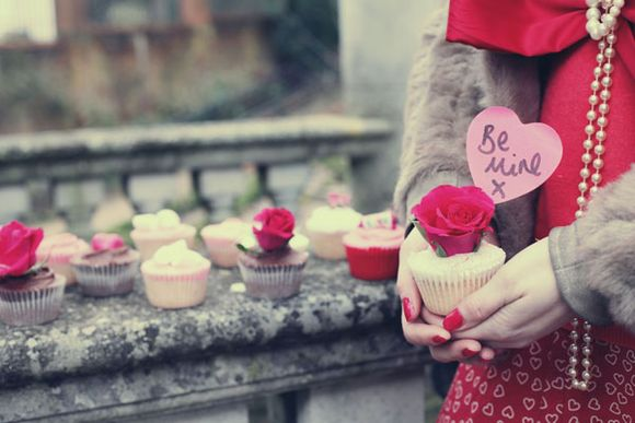 Valentines Cupcakes With The Bake-A-Boo Girls…