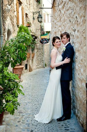 Amanda Wakeley Bridal Elegance for a Poolside, French Villa Wedding…