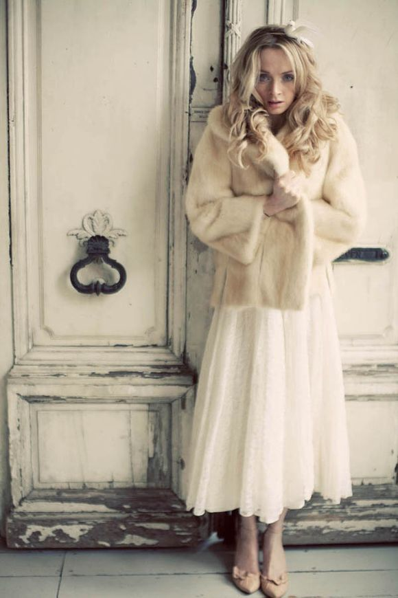 Beautiful, Original Vintage Wedding Dresses on a Budget…