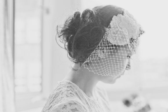 Vintage Lace and Birdcage Beauty ~ A Glasgow Art Club Wedding…