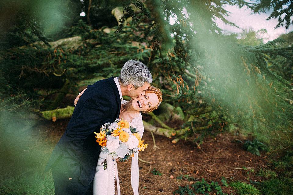 A Backless David Fielden Dress for an Elegant Autumn Wedding