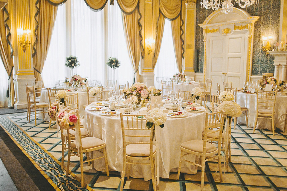Monique Lhuillier Modern Elegance for a London Wedding at Claridge's (Weddings )