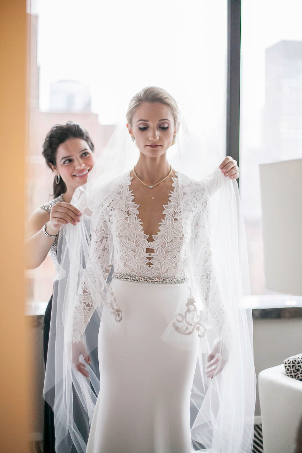 Tara Keely And Monique Lhuillier For An Art Deco Glamour