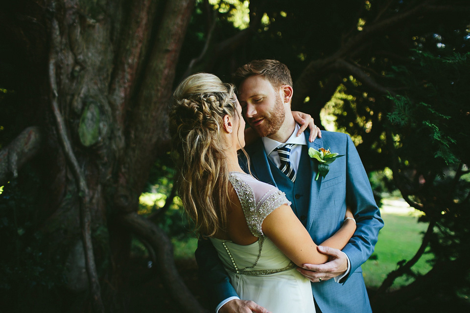 An Art Deco and Travel Inspired Wedding for a Bohemian Bride (Weddings )