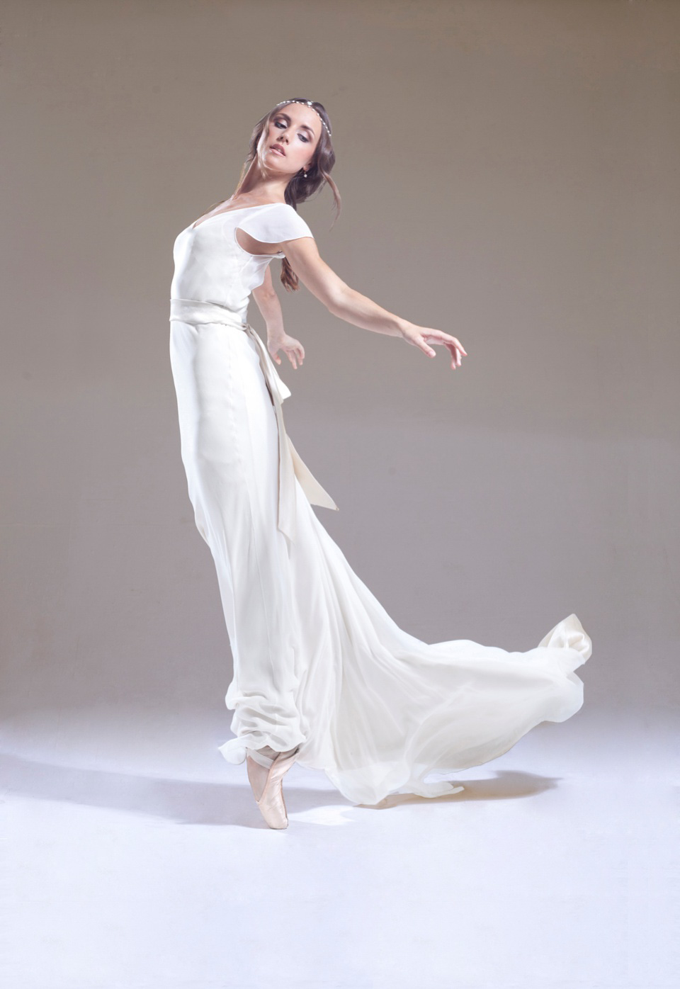 En Pointe – The Graceful & Elegant New Wedding Dress Collection From Sabina Motasem, London