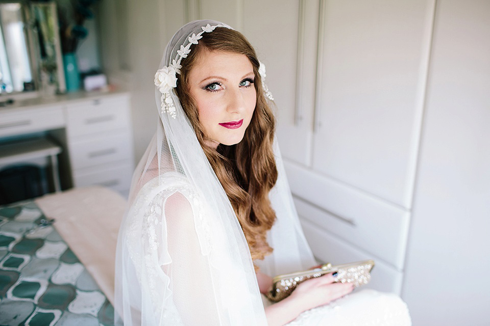 Eliza Jane Howell and a Juliet Cap Veil for a Glamorous Gatsby Inspired City Wedding (Weddings )