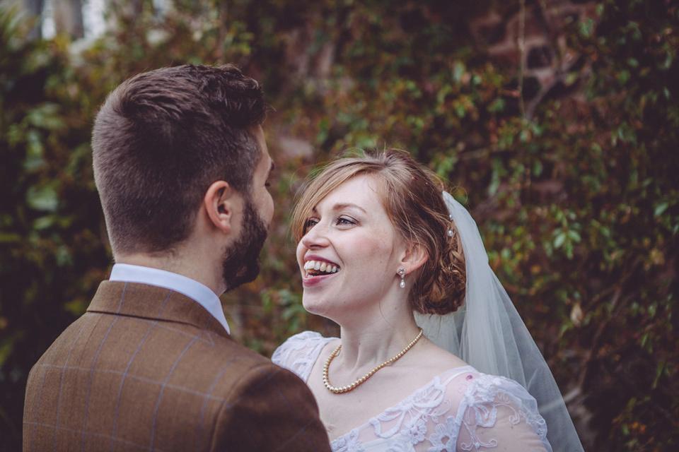 Elizabeth Avey Vintage Lace For A Tulip Filled Spring Barn Wedding (Weddings )