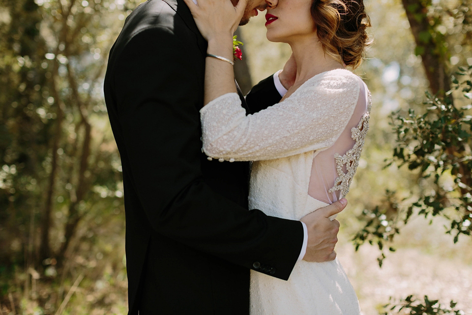 Otaduy Glamour and Spanish Elopement Style (Get Inspired Styled Shoots )