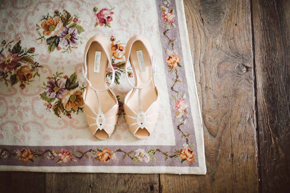 A Bride in Stella York and a Joy-Filled Barn Wedding in Shades of Pink and Gold (Weddings )
