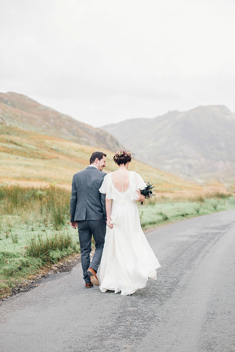 A Jenny Packham Dress For A Homemade Autumn Wedding In The Lake District (Weddings )
