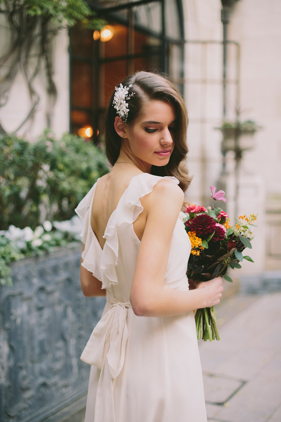 Wildflowers in the City – A Colourful and Elegant Bridal Inspiration Shoot
