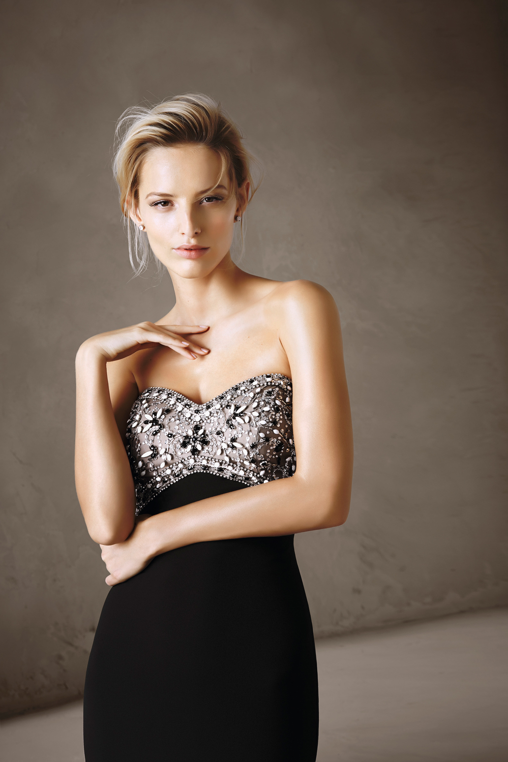 Perfect For Bridesmaids, Parties & Stylish Celebrations – The 2017 Cocktail Collection By Pronovias