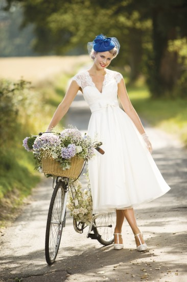 True Bride - Figure Flattering Wedding Dresses For Brides & BridesMaids (Bridal Fashion Fashion & Beauty Get Inspired Supplier Spotlight )