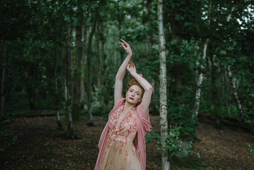 Into The Woods: Non Traditional Bridal Fashion by Joanne Fleming (Bridal Fashion Fashion & Beauty Get Inspired )