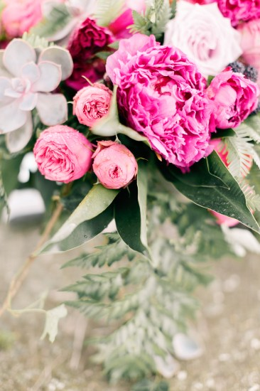 Whimsical and Romantic, 70's Inspired Wedding Style (Bridal Fashion Fashion & Beauty Get Inspired Styled Shoots )