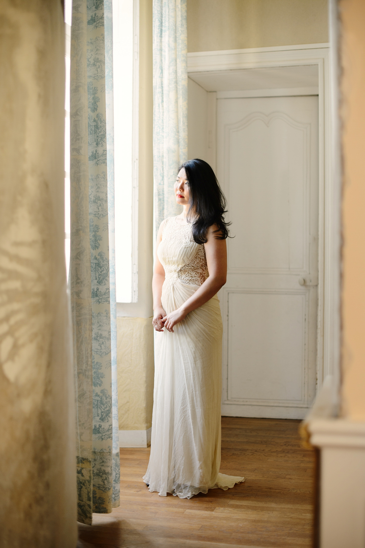 A Tadashi Shoji Gown for a Charming Wedding in the French Countryside (Weddings )