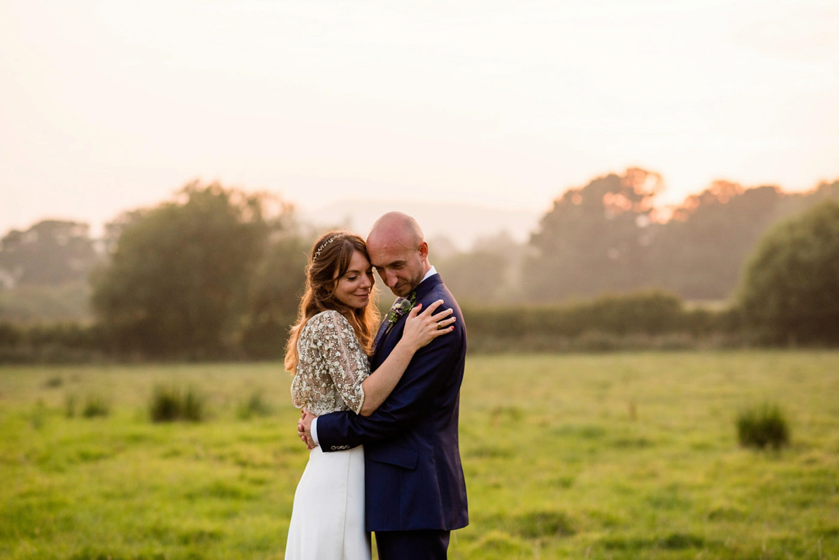 A Halfpenny London Bridal Skirt For A Stylish And Colourful Country House Wedding (Weddings )