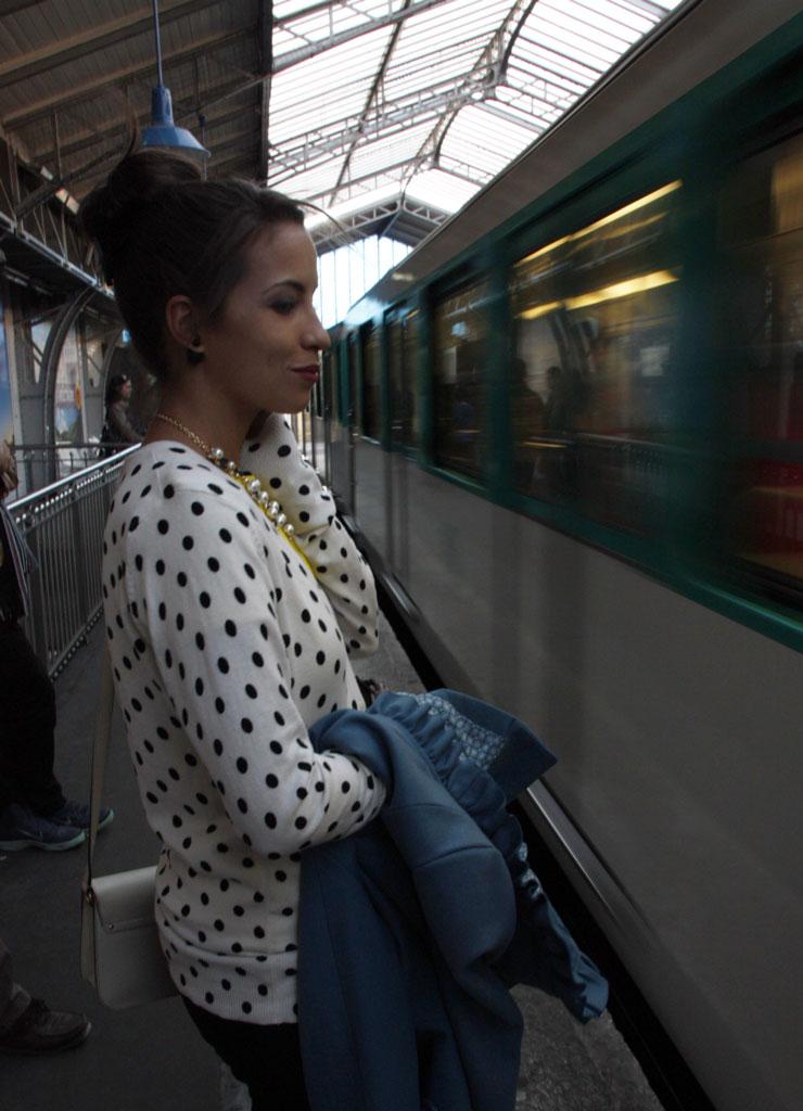 paris-eiffel-abovemetro