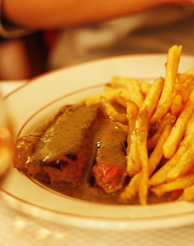 paris-ssc-oursteakfrite