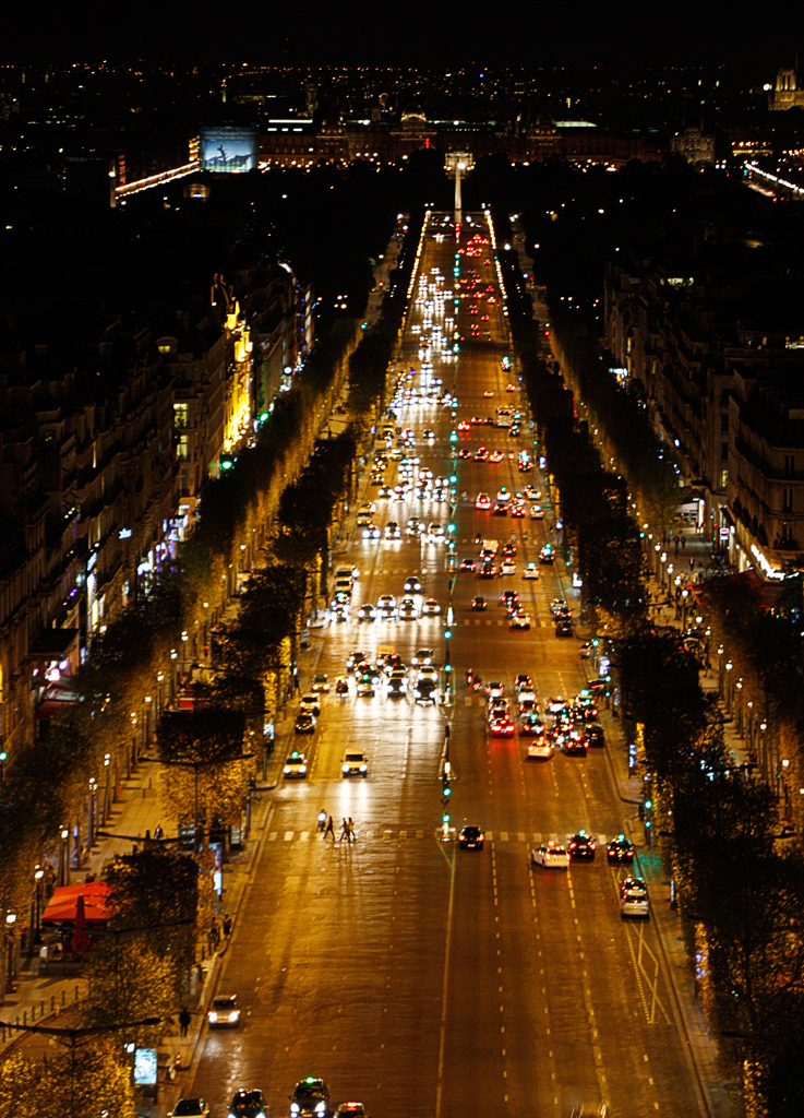 champs-elysees-at-night