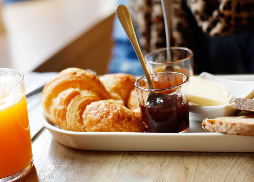 paris-foods-poulinecroissont
