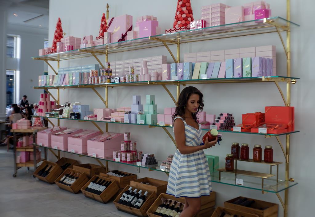 botega louie shopping wall-2