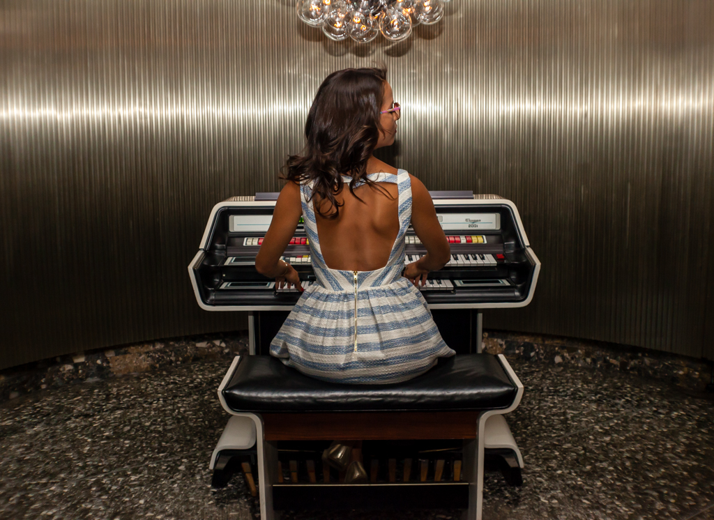 the standard dtla organ girl