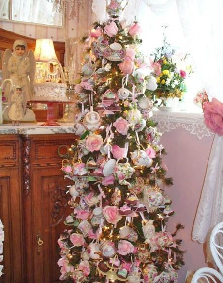 Hello Kitty Fall Wallpaper Tea Set Christmas Tree Pictures Photos And Images For