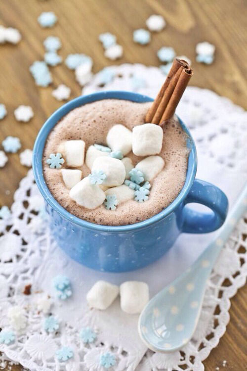 Cute Coffee Mug Wallpaper Hot Chocolate With Blue Snowflake Marshmallows Pictures