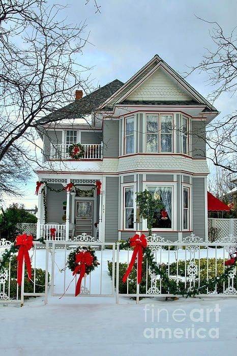 Primitive Girl Wallpaper Beautiful Victorian Home Decorated For Christmas Pictures