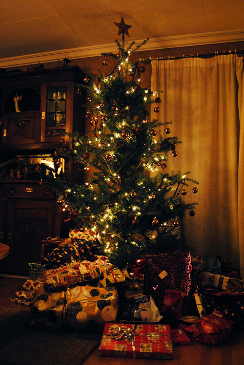 Animated Fireplace Wallpaper Big Christmas Tree Pictures Photos And Images For