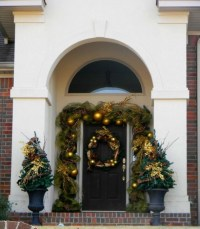 Gold And Evergreen Christmas Decoration Pictures, Photos ...