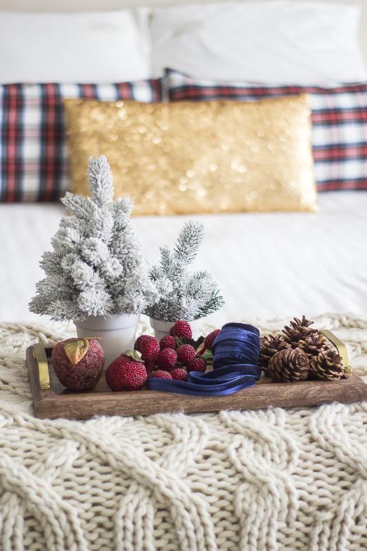 christmas-decorating-plaid-loveyourabode-32