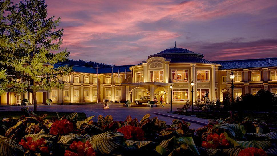 cropped-005412-01-Exterior-facade-sunset.jpg