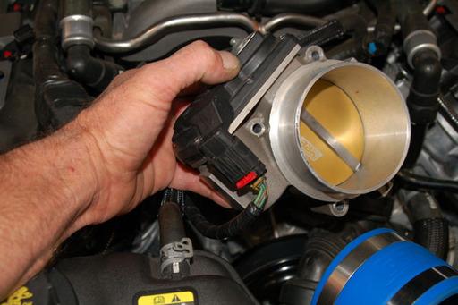 BBK 2011 Mustang GT and 2012 Camaro SS Dyno Bolt-on Throwdown - LSX