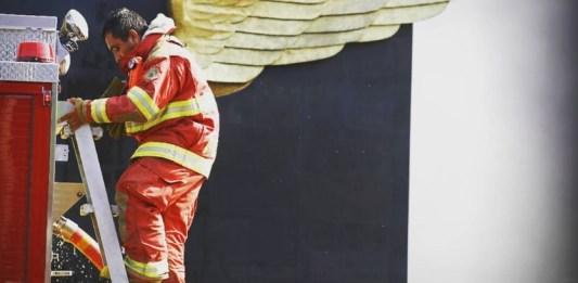 bombero con alas