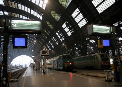 IMG_3034_Binari_Stazione_centrale_di_Milano_-_Foto_Giovanni_Dall'Orto_1-1-2007