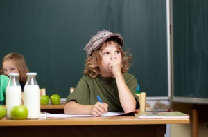 bambini distratti a scuola
