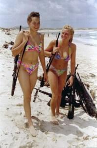 soldatesse-in-bikini