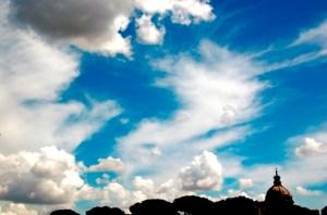 Nuvole in viaggio su Roma