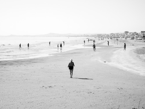 Spiaggia di Rimini. [fonte: http://spengilatesta.tumblr.com]