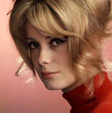 Catherine Deneuve. Una donna in carriera.
